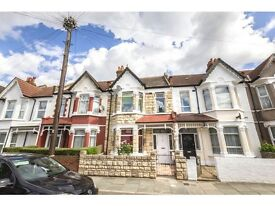 4 bedroom house in Seely Road, Tooting, London, SW17
