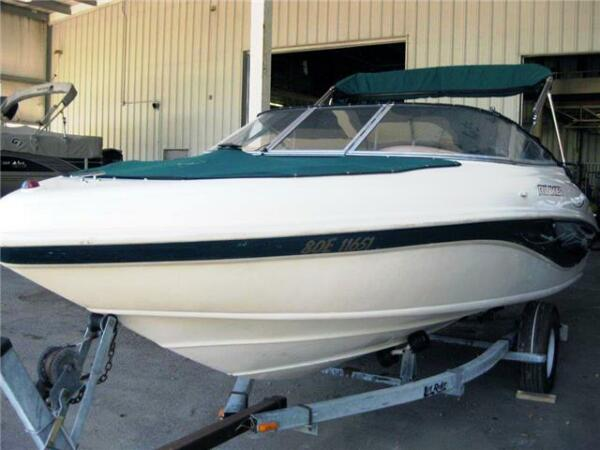 1998 Rinker Boat Co Captiva 192