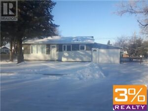 R36//Neepawa/Newly renovated 2 bedroom home ~ by 3% Realty