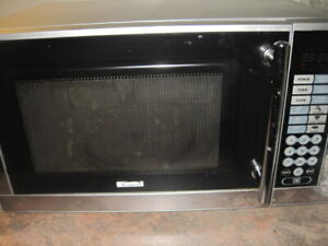 Microwave Oven- Perfect for Students