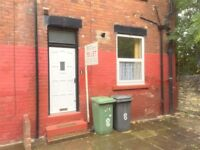 1 bed furnished flat in Armley to rent. Excellent condition
