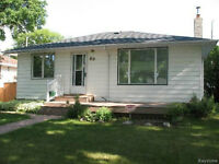 Old St. Vital Charming ***OPEN HOUSE July 5th SUNDAY 2-4pm***
