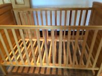 Cot - Mamas and Papas ASPEN cot bed