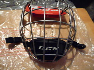 CCM Resistance Res300 Player Face Mask FM580, Brand New in Box