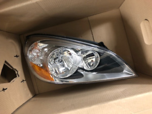 RIGHT SIDE HALOGEN HEADLIGHT FOR 2011-2013 VOLVO S60