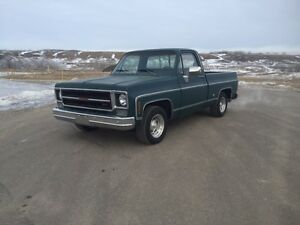 1976 gmc regular cab short box! Runs & drives good!