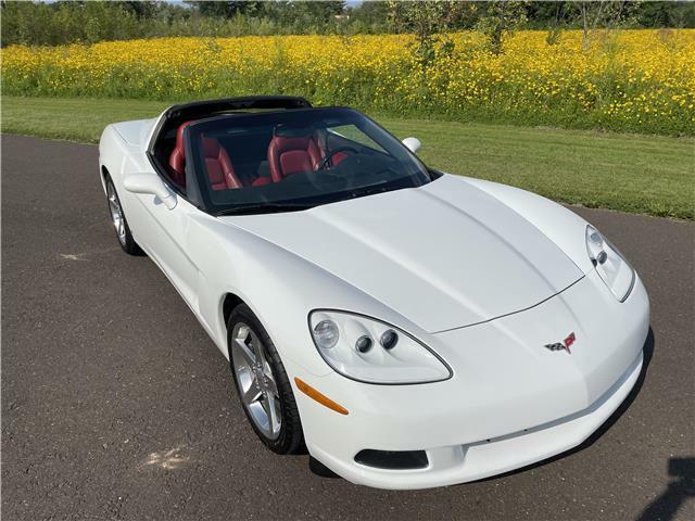2006 White Chevrolet Corvette  3LT   C6 Corvette Photo 5