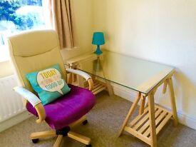 *** Double room in heart of PENN HILL, very modern flat, garden ***