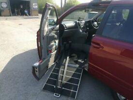 Kia Sedona2 wheelchair adapted