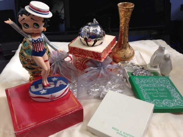 Nancy s Trinkets and More