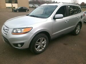 2011 Hyundai Santa Fe GL Loads of options, clean Carproof, price