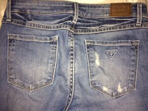 LIKE NEW! Women's Guess Jeans - Size 27