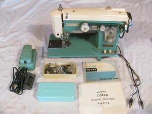 Vintage Dressmaker Deluxe Automatic Zig Zag BIM Precision Japan Sewing Machine