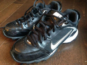 Nike Football Land Shark Cleats - Size 4.5 youth