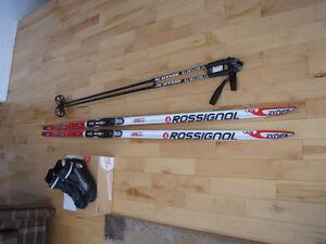 Ensemble de ski de fond acheté neuf et jamais utilisé