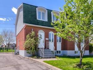 Semi-detached for rent in Section T, Brossard, Available now!