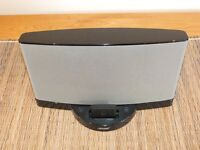 Bose Dock Fantastic Condition 30 Pin with Bluetooth