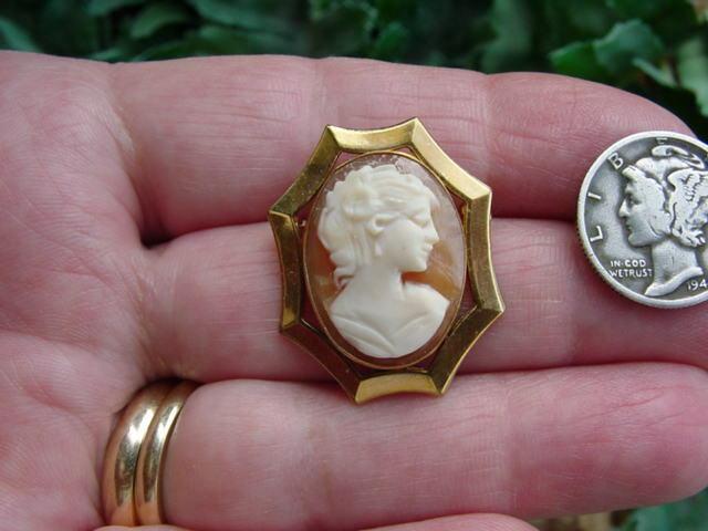 Vintage A & Z - 14K GF - SHELL CAMEO PIN - pendant - brooch