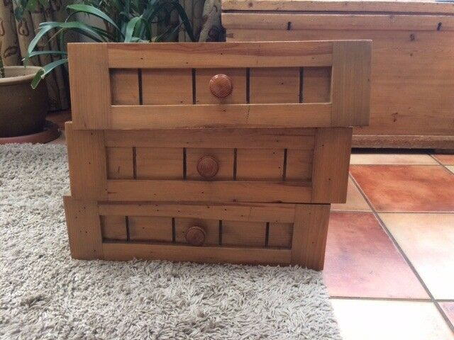 Kitchen cupboard fronts and three kitchen drawers in solid wood