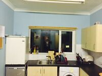 *** 2 x Double room freshly painted , garden, 2 bathrooms ***