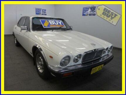 1980 Jaguar XJ6 Series III 4.2 White 3 Speed 3 SPD AUTOMATIC Sedan Lansvale Liverpool Area Preview