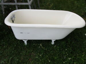 Small Scale 4 Foot Cast Iron Claw Foot Tub with Taps