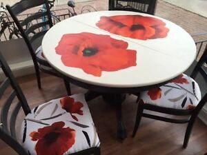 L'art en folie offers, unique, hand painted table and chairs