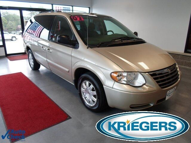 2007 Chrysler Town & Country  For Sale