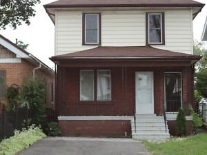 3 Bedroom House, Walkerville, Great Location! May 1  $1149+