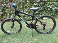 Mongoose Youth Bicycle 21 Speed Mountain Bike