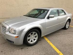 2005 Chrysler 300 **Only 132,472kms** No rust, Fully inspected