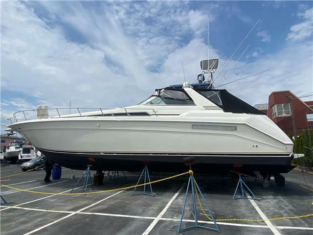 1991 Sea Ray Express Cruiser 48'