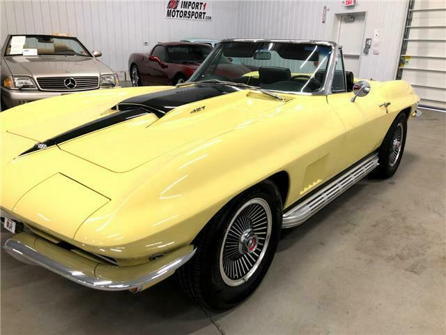 1967 Yellow Chevrolet Corvette   | C2 Corvette Photo 5