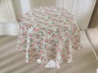 Perfect Kath Kidson type circular table cloths 15 for £45