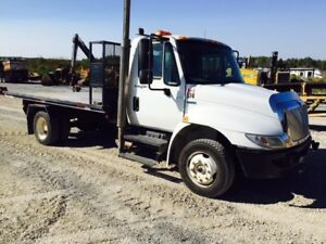 2009 International Single Axle 14' Roll Off Truck and Deck