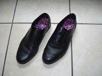 size 6.5 girls / women shoe bootleg /f&f/