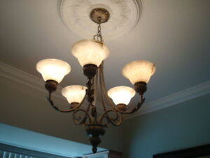 LUMINAIRES / CHANDELIER ---CHANDELIER / LIGHTING FIXTURE