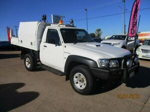2010 Nissan Patrol GU 6 MY10 ST White 5 Speed Manual Cab Chassis