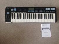 Samson Graphite 49 midi keyboard controller