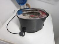 Toaster Morphy Richards . Two slices .Model 44168
