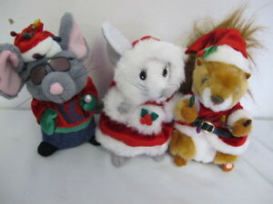 GEMMY SQUIRREL MOUSE SINGING DANCING (3) MERRY CHRISTMAS - 2 FRONT TEETH - ICE