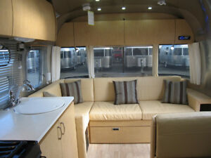 2013 Airstream Flying Cloud 28' Twin
