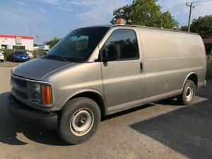 2002 Chevrolet Fourgonnette Express utilitaire