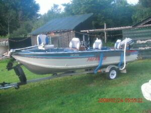 17FT, SMOKER CRAFT PRO ANGLER ALUMINUM FISHING BOAT