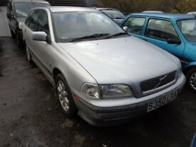 1999(Sreg) Volvo V40 AUTOMATIC 1.8 Petrol Estate Car £595