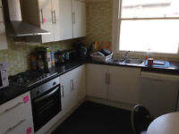 ensuite large bright double room - suitable for couples
