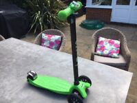 Maxi Micro Scooter - Lime