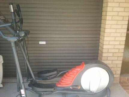 Bodyworx Treadmill Avanti elliptical e500 model Mona Vale Pittwater Area Preview