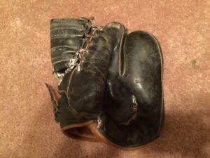 Antique Black Leather 4-Finger baseball glove