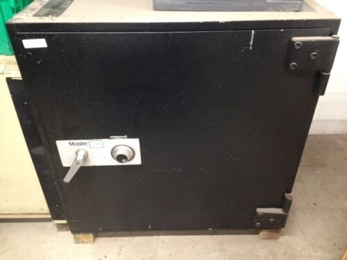 Mosler TL-15 Safe H 36 1/2 D 28 W 36 1/2 2,000-2,500 Lbs. LOCAL PICKUP ONLY